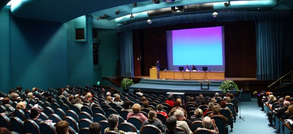 Reasons Online Business Owners Should Attend Live Events